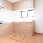 ■料理もしやすいL型システムキッチン新規交換済みです!