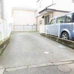 ■車3台分駐車可能なカースペースです!