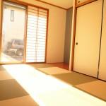 ■南向きの和室は陽当たりサンサンです!